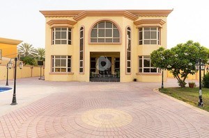 Villa 2634 — Luxury villa for rent in Umm Suqeim